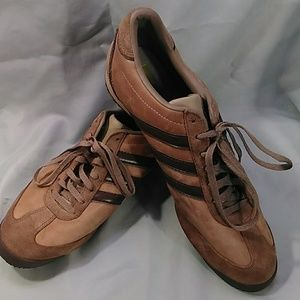 ADIDAS LEATHER ATHLETIC SHOES